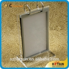 中国T shape Handmade custom flip acrylic menu display stand roll menu display holder工場